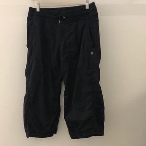 Lululemon black crop pant, sz 8, 63025